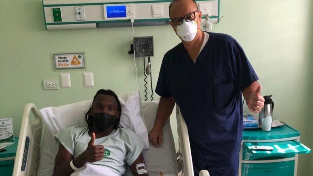 Albert Elis es operado